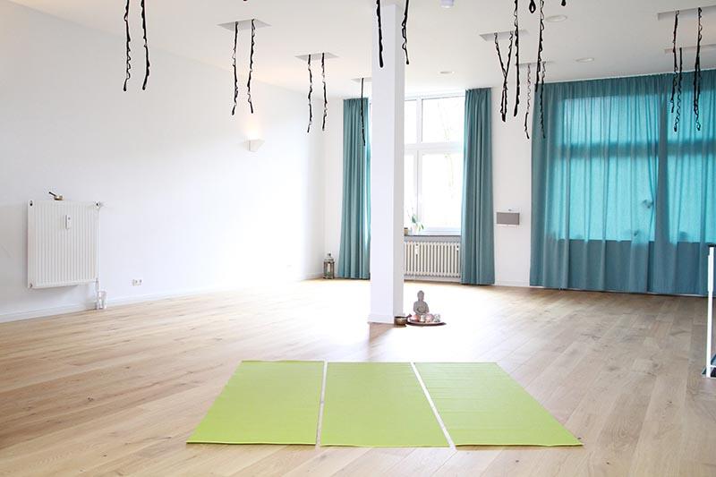 mieten yoga connection. Black Bedroom Furniture Sets. Home Design Ideas